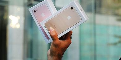 Se viene un remate de iPhones desde 800 pesos, confiscados por el turismo shopping
