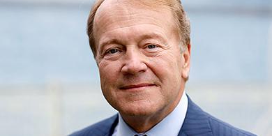 John Chambers deja de ser el CEO de Cisco