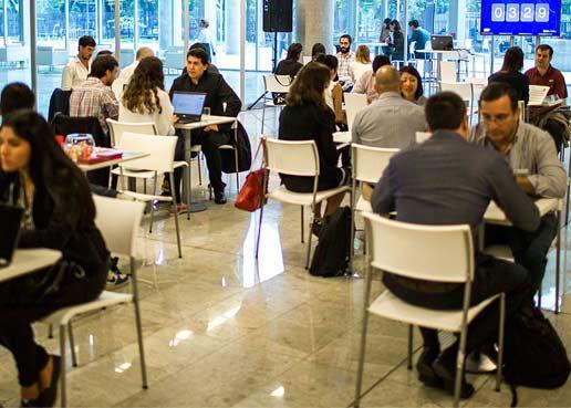 ConecTIC, el evento para que los egresados de Codo a Codo encuentren trabajo