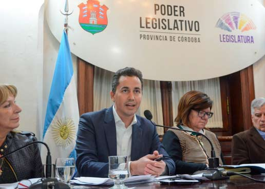 Córdoba quiere más internet, y más barata