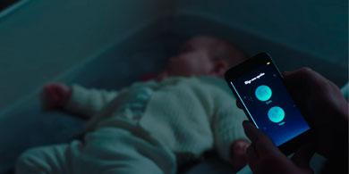 Una cuna y una app, lo nuevo de Ford para que tu bebé duerma un poco más