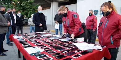 El Gobierno de la Ciudad comenzó a devolver celulares robados a sus dueños