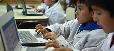 Quieren formar 8 millones de alumnos en programación y robótica