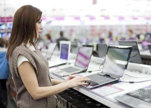 Macri decretó la quita de aranceles a la importación de productos informáticos