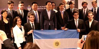 Huawei eligió a 10 argentinos para que estudien tecnología en China
