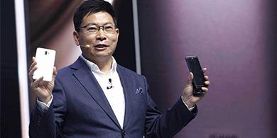 Arrestan a un ejecutivo clave de Huawei por corrupción
