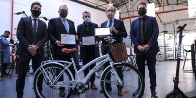 Kulfas lanzó el Programa de Promoción de Bicicletas Eléctricas en Grupo Núcleo