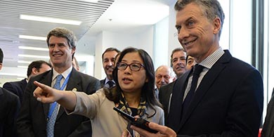 Macri en China: recorrió Huawei y se reunió con el dueño de Alíbaba