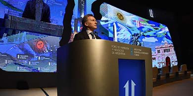Mini Davos: reuniones con Microsoft, IBM y Siemens, que invertir� $5M