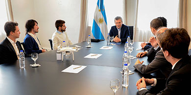 Macri recibió a los emprendedores que ganaron la Imagine Cup
