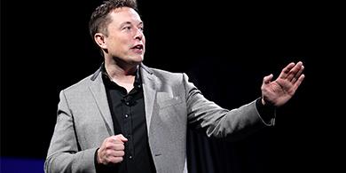Elonk Musk, duro con Mark Zuckerberg por el futuro de la IA