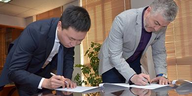 Huawei y Subtel quieren unir Chile y China con fibra óptica