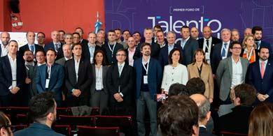 70 empresas junto a Macri lanzaron el programa Talento Digital