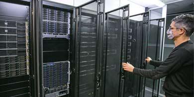 La UNC inauguró datacenter con Serafín, la supercomputadora científica más potente del país
