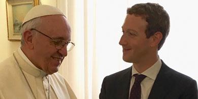 Mark Zuckerberg visit� al Papa y le present� su avi�n solar