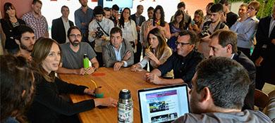Vidal visitó las nuevas oficinas de Globant en La Plata