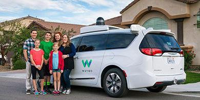 Waymo lanzaría su servicio de taxis sin conductor en diciembre